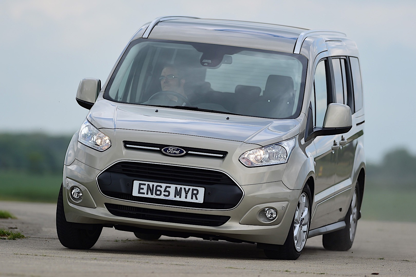 FORD Tourneo Connect Specs Amp Photos 2013 2014 2015