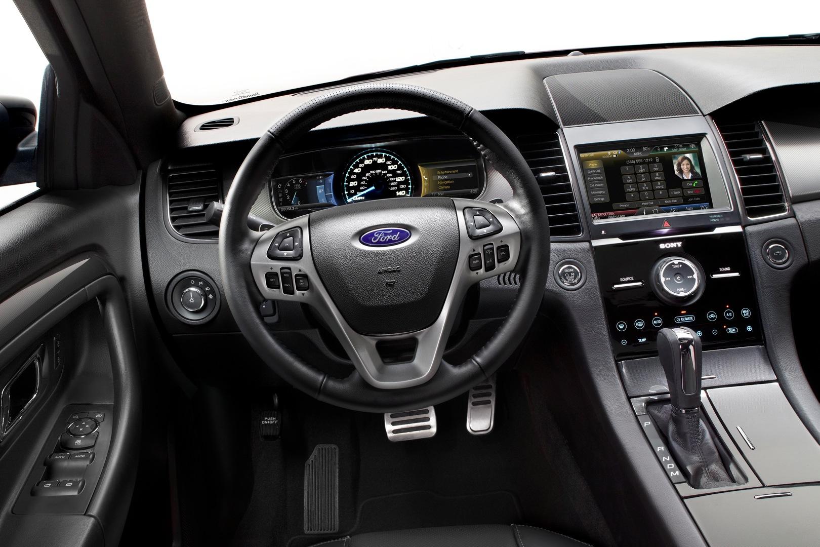 2019 Ford Black Mustang Inside