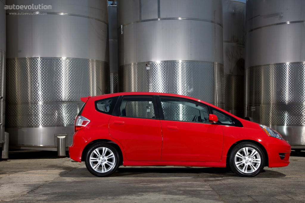 The civic si is nice and all, but the type r is for the true enthusiast driver. HONDA Jazz/Fit specs & photos - 2008, 2009, 2010, 2011