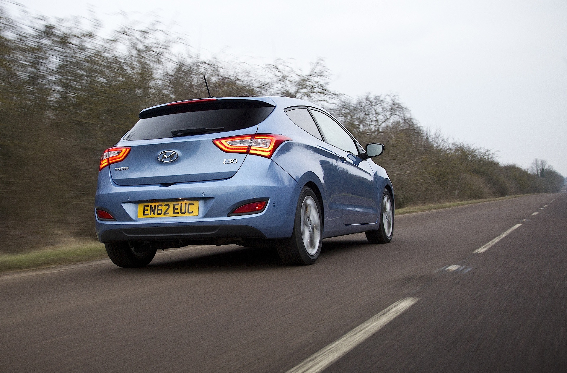 Hyundai makes no effort to hide the fact that, when designing the veloster, they looked to another company'. HYUNDAI i30 Coupe specs & photos - 2012, 2013, 2014, 2015