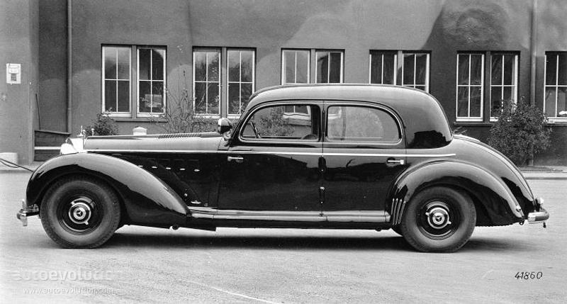 MERCEDES BENZ Grosser Mercedes PullmanLimousine W150
