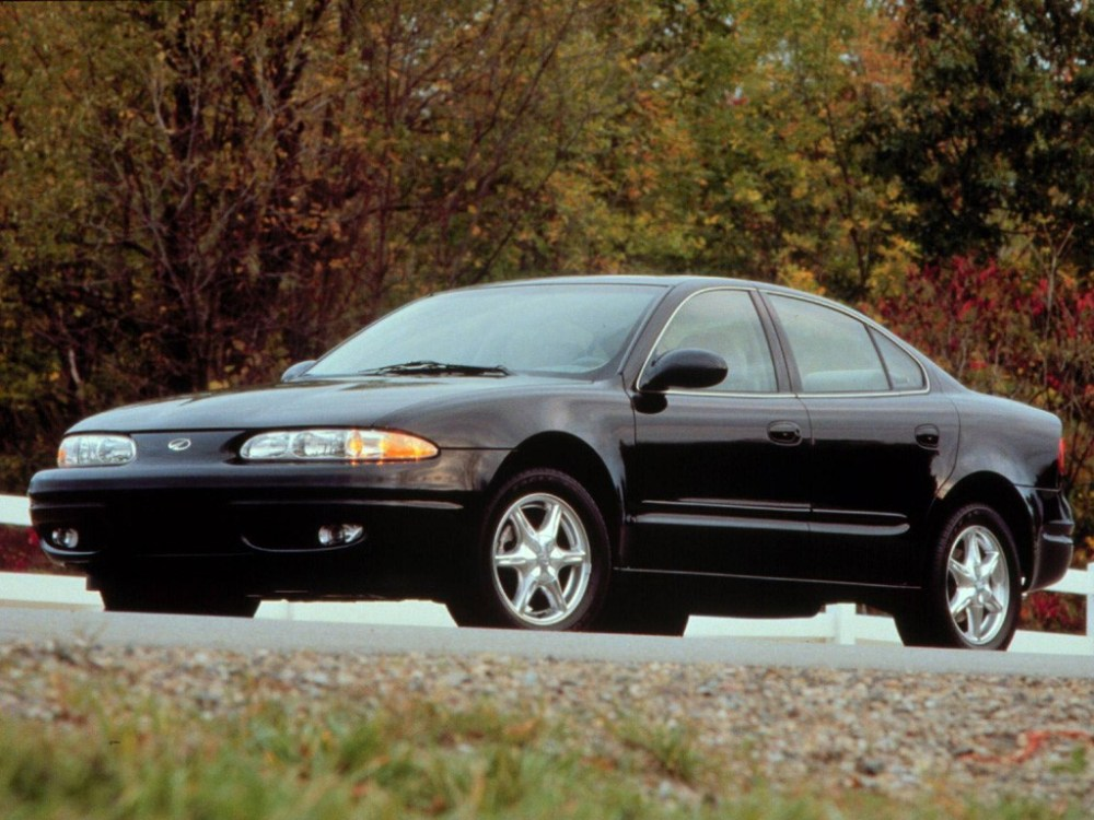 medium resolution of oldsmobile alero sedan 1999 2004