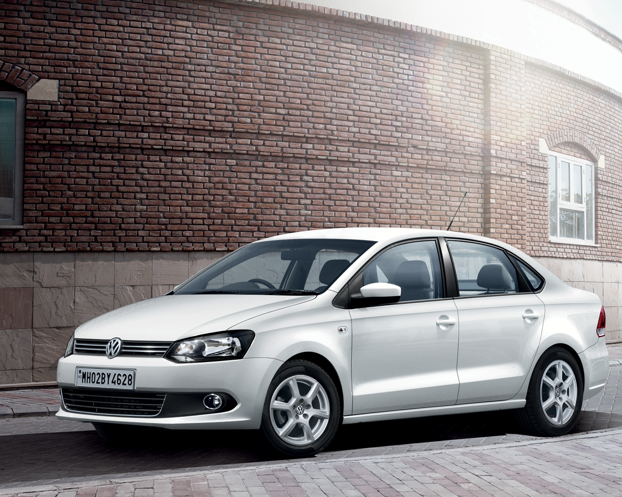 Ugly Car Wallpaper Volkswagen Vento 2010 2011 2012 2013 2014 2015