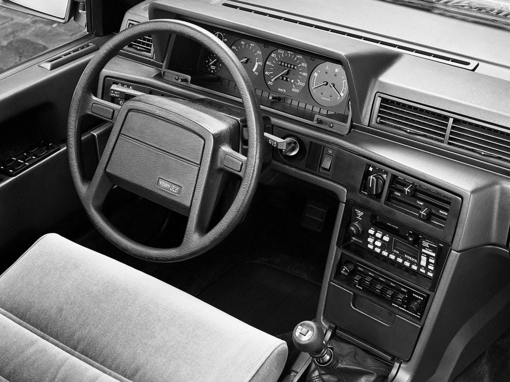 medium resolution of volvo 760 1982 1990 volvo 760 specs