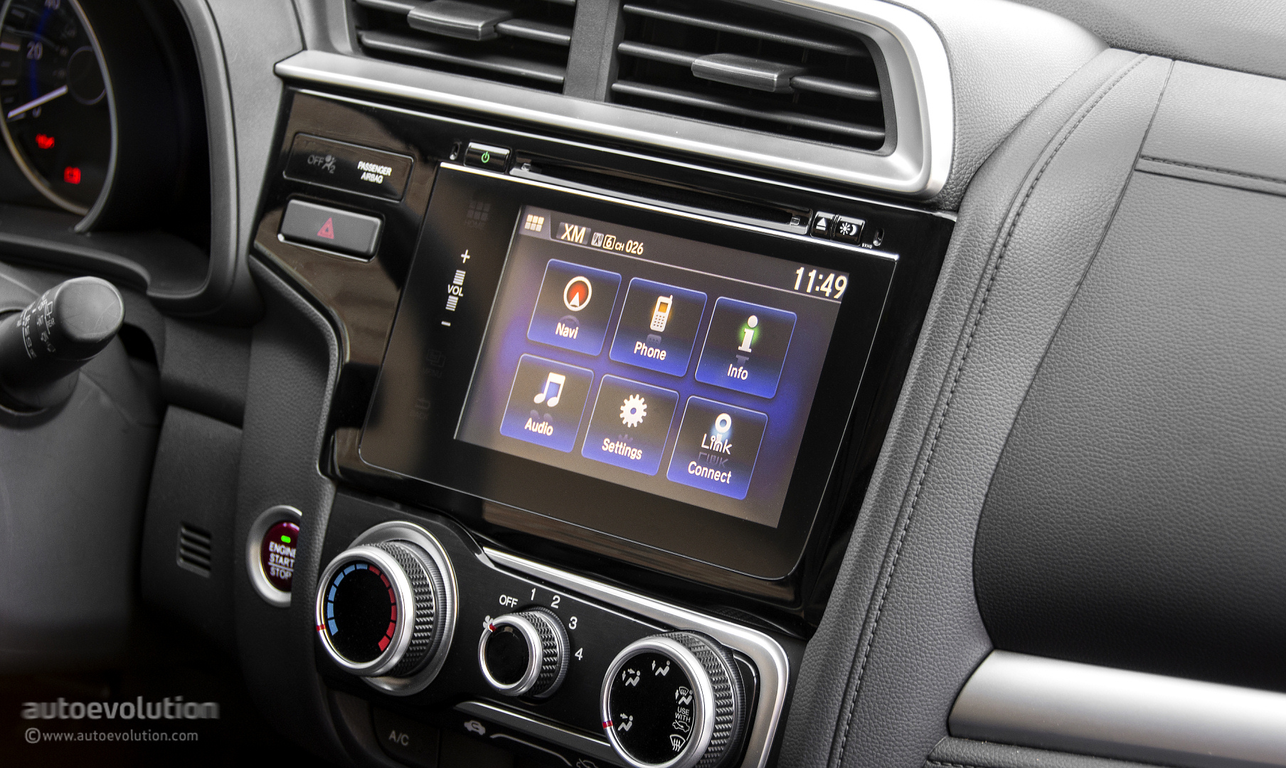 hight resolution of the climate and audio controls are easy to reach and understand and while the touch sensitive surface of the former are hard to pinpoint on bumpy roads