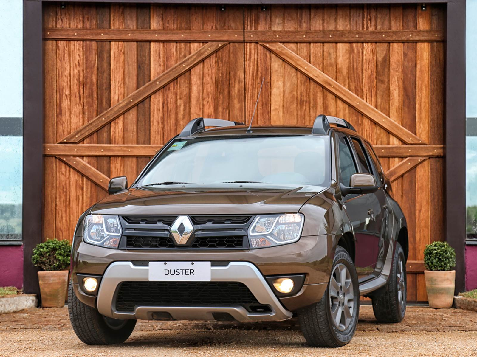2016 Renault Duster Launched With New Look Better Economy In Brazil