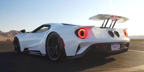 small resolution of 2017 ford gt engages race mode seven times quicker than the mclaren p1