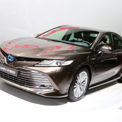 All New Toyota Camry 2019 Indonesia Spesifikasi Grand Avanza Veloz Shows Up In Paris With Hybrid Powertrain