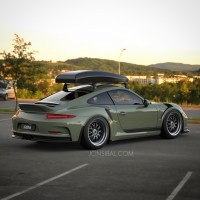 Ducktail-Only Porsche 911 GT3 RS Rendered with Roof Box as ...