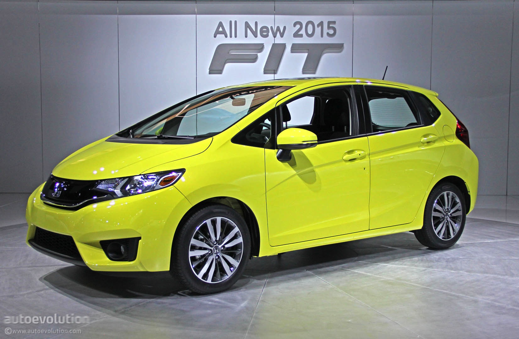 2015 Honda Fit Is a Cool New Urban Car for 15525