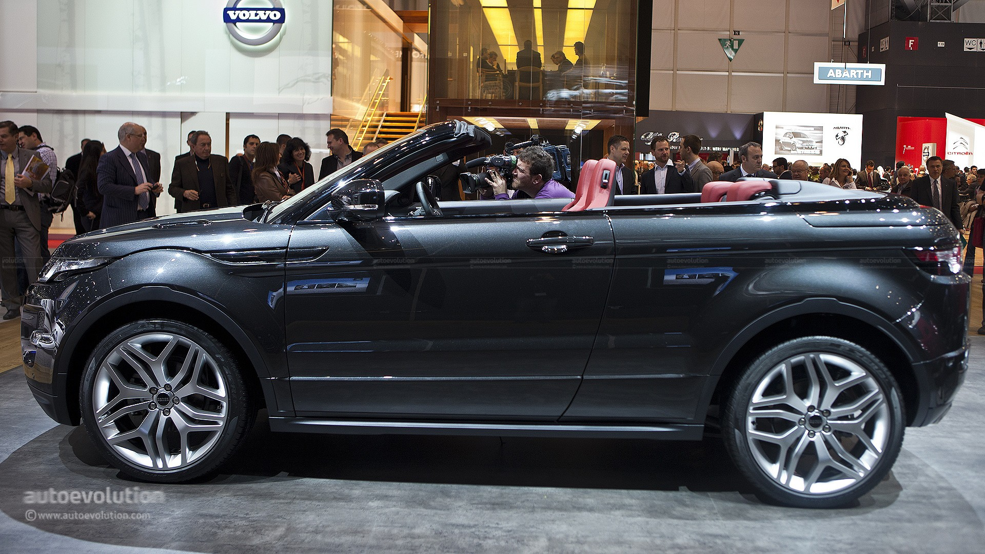 2016 Range Rover Evoque Convertible Spotted During Shoot