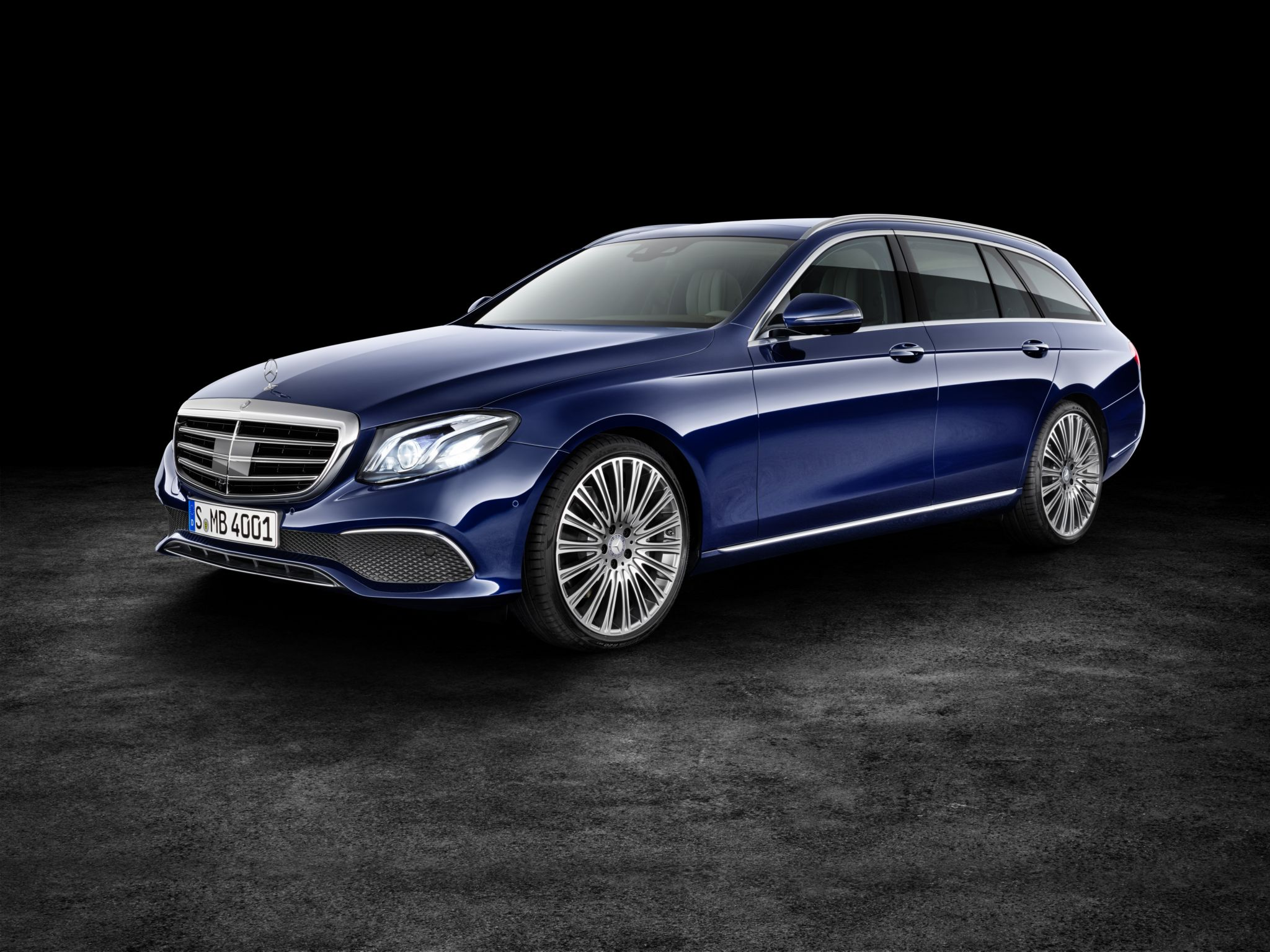 2017 Mercedes-Benz E-Class Wagon Is Both Spacious and Luxurious - autoevolution