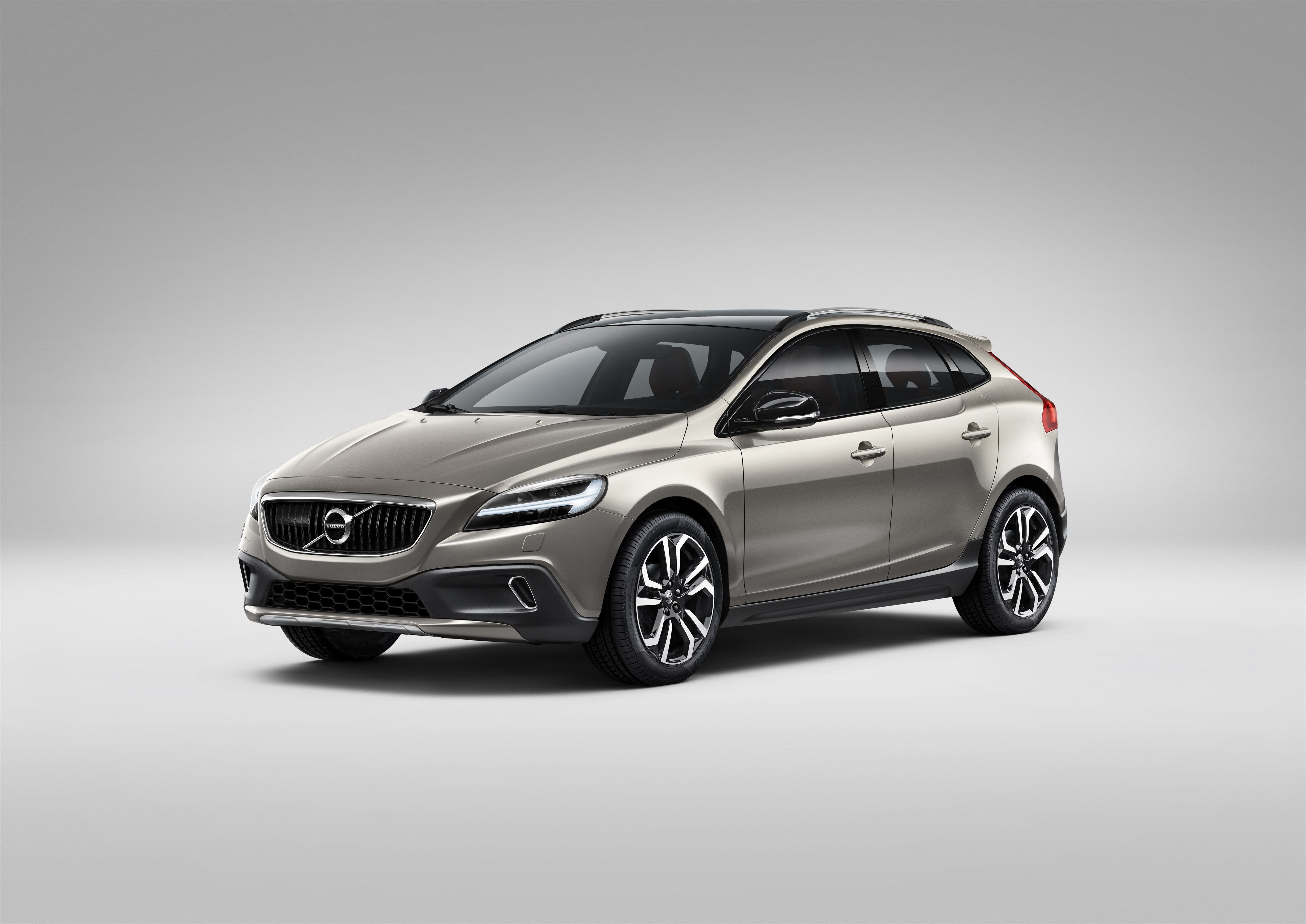 2017 Volvo V40 Cross Country New Engines: 1.5L T3 and 2.0L T4 and 2-Liter D2 - autoevolution