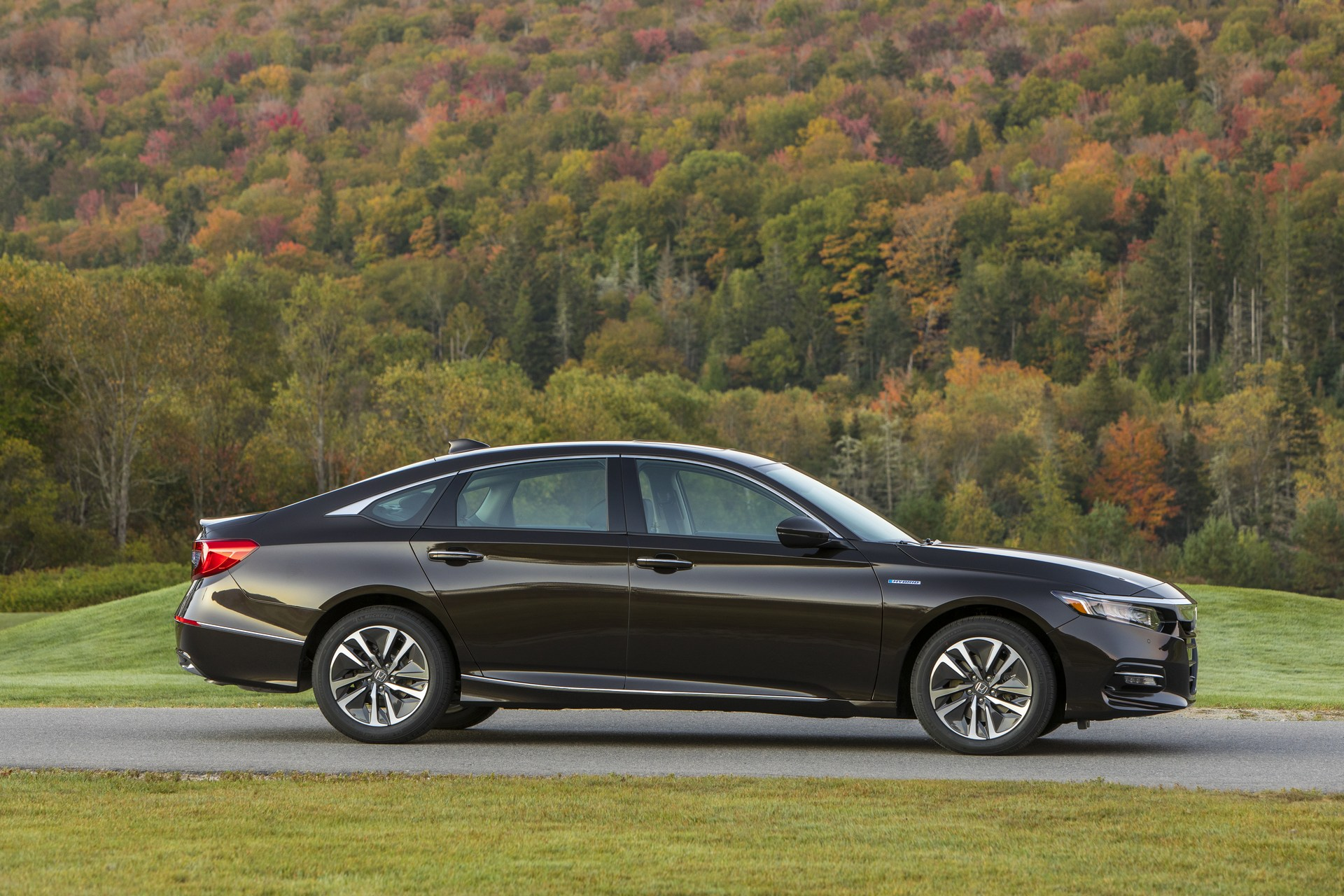 Basically, though, it boils down to working with a dealer or a private party to get it replaced. 2018 Honda Accord Hybrid Is Really Cheap, Starts at