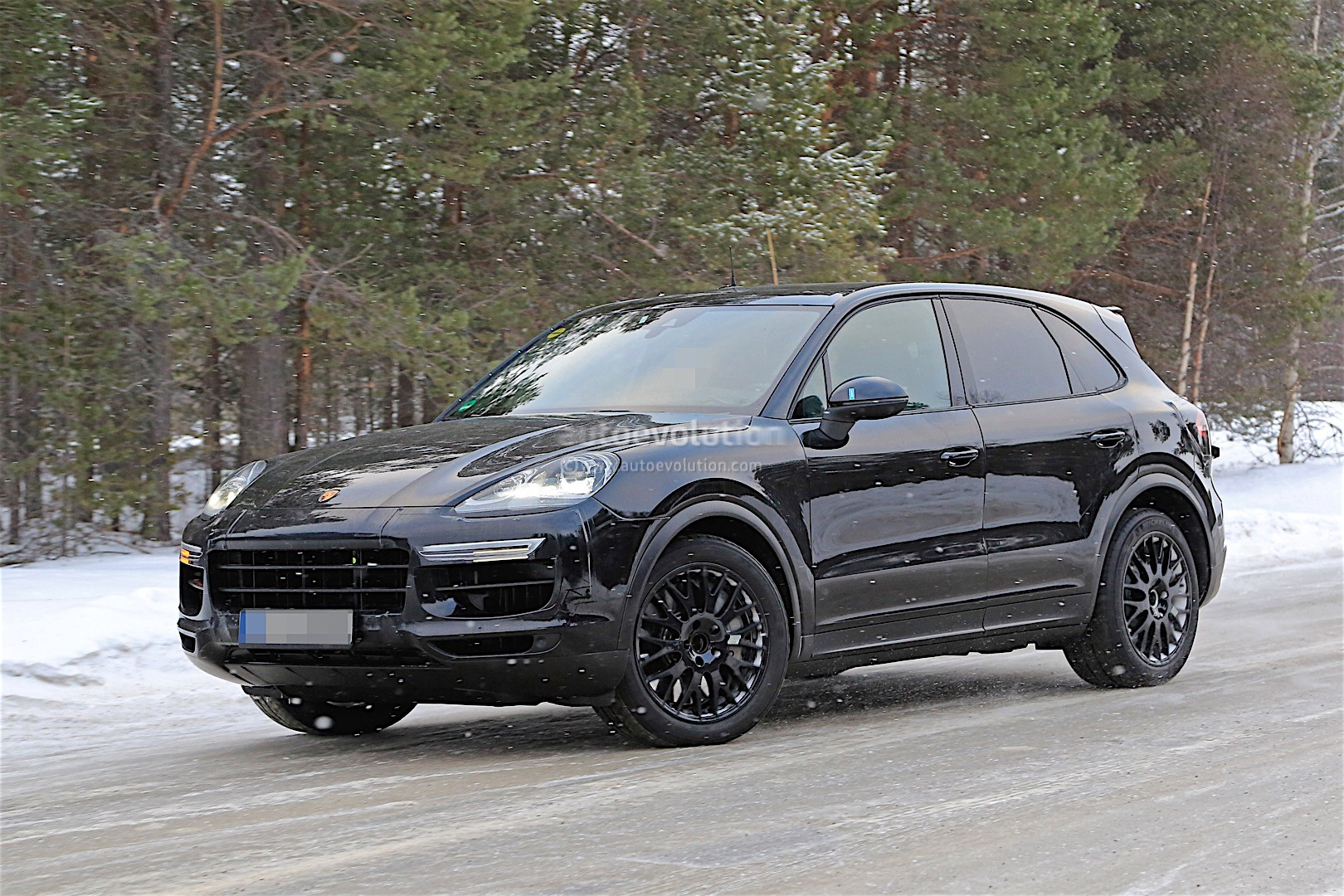 2018 Porsche Cayenne Spied With Mild Camo, Expect To See
