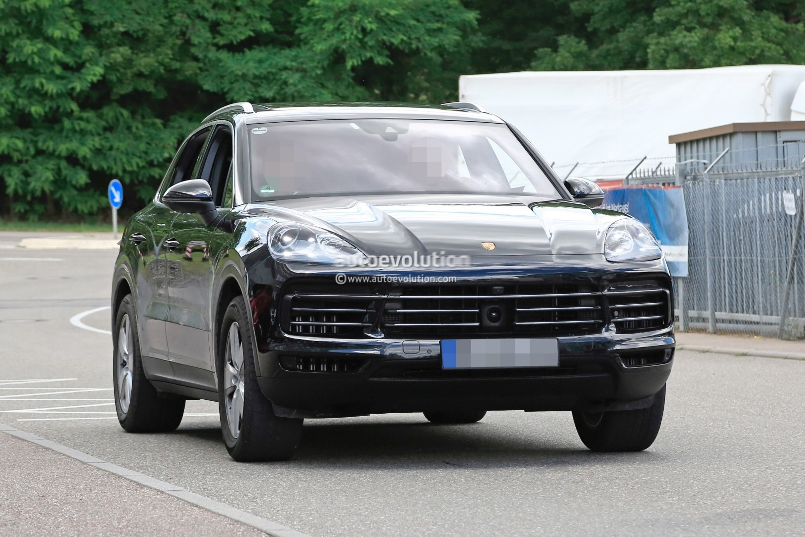 2018 Porsche Cayenne Prototype Suggests Full Width