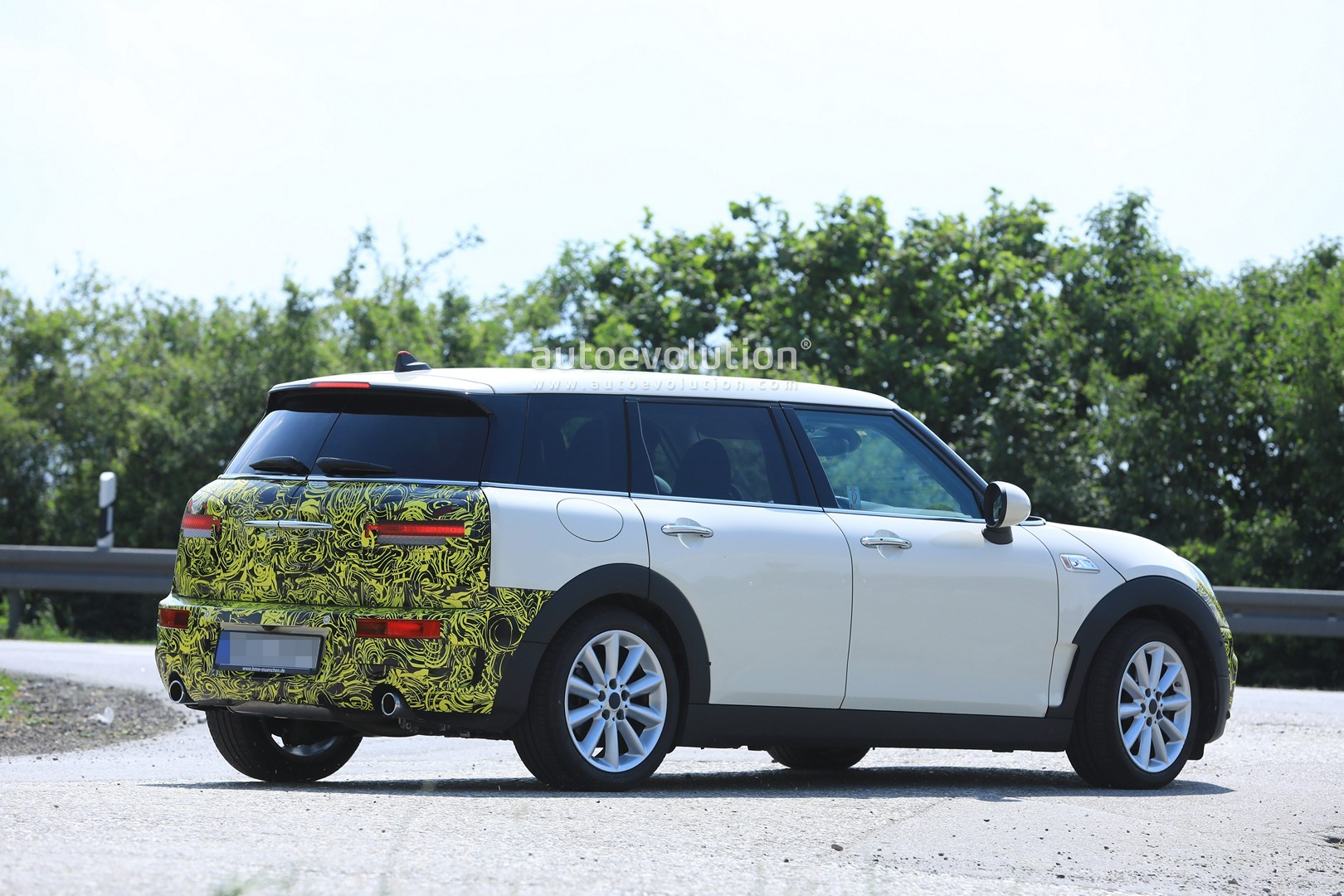 2019 Mini Clubman Facelift Caught For The First Time