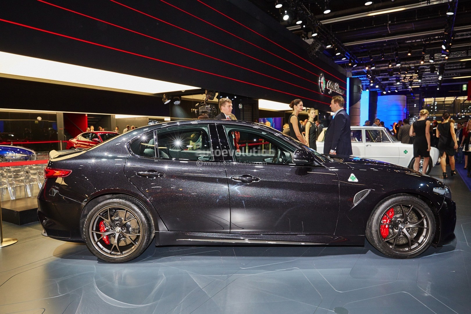 Alfa Romeo Giulia QV Now Fastest Sedan on Ring Lands in Frankfurt for EUR79000  autoevolution