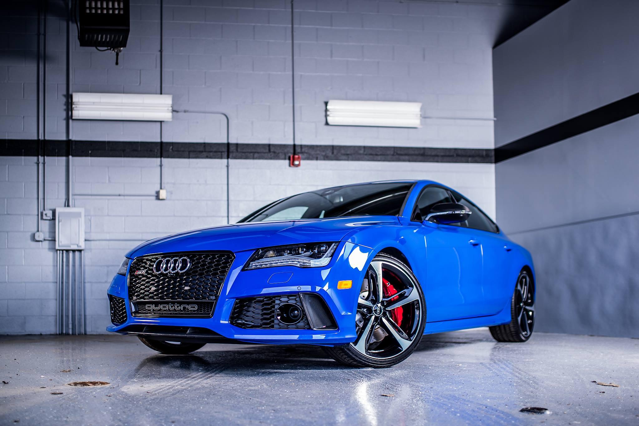 Auf wunsch können sie bei. Audi RS7 Triplets: Nagoro Blue, Estoril Blue and Sepang