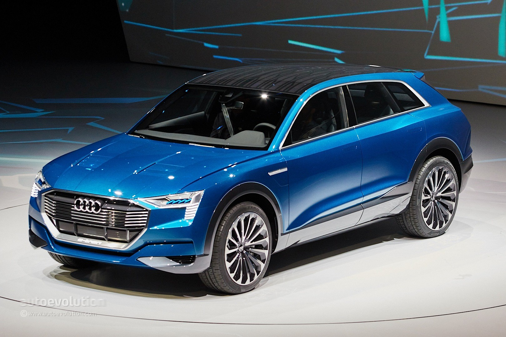 hight resolution of  audi e tron quattro concept live photos