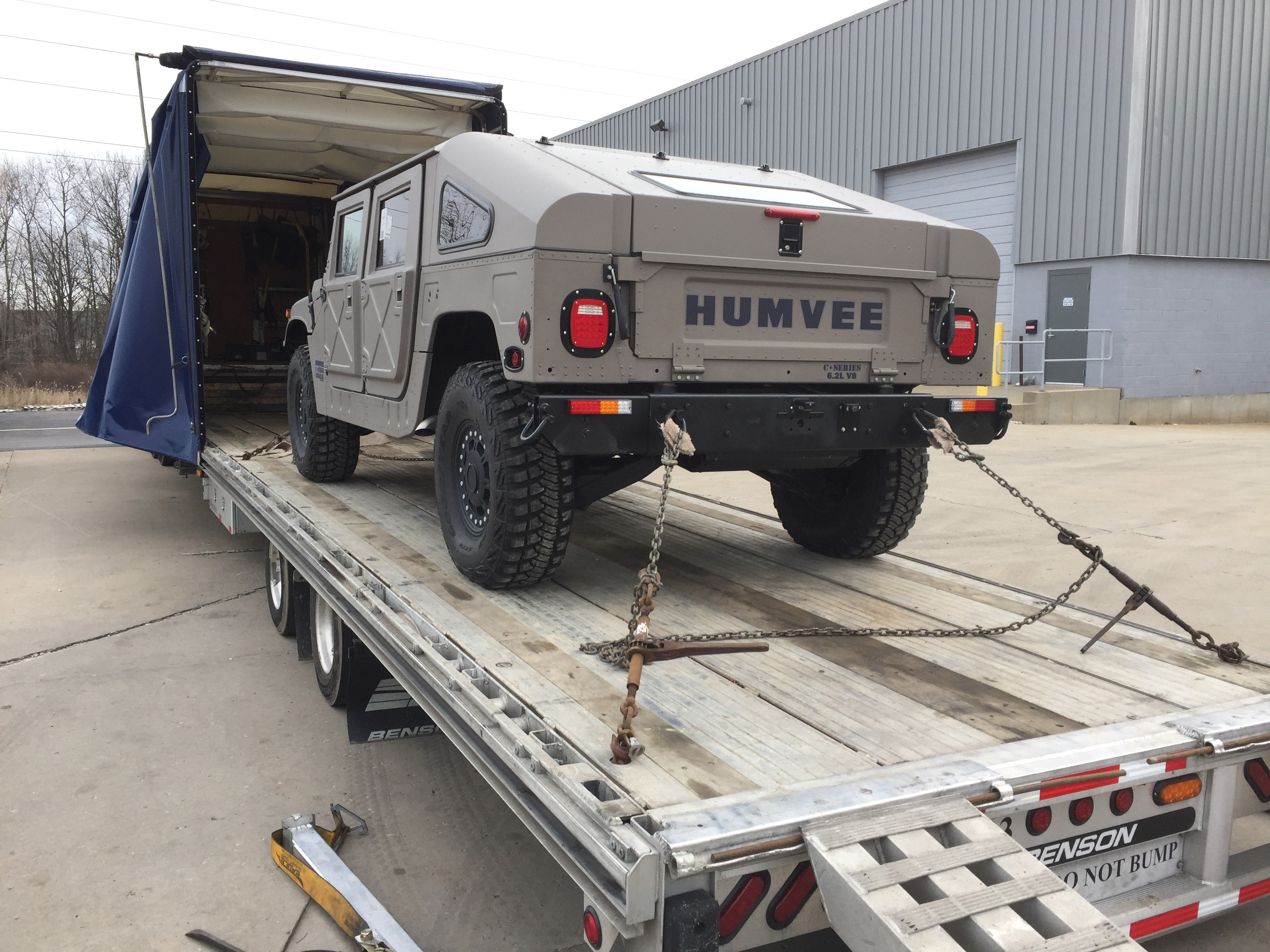 Here s How Those Military Humvees that You Can Now Buy Drive