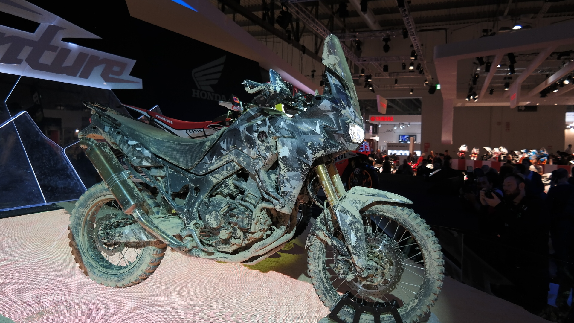 Honda Africa Twin Final Concept Revealed at EICMA 2014 Live Photos  autoevolution