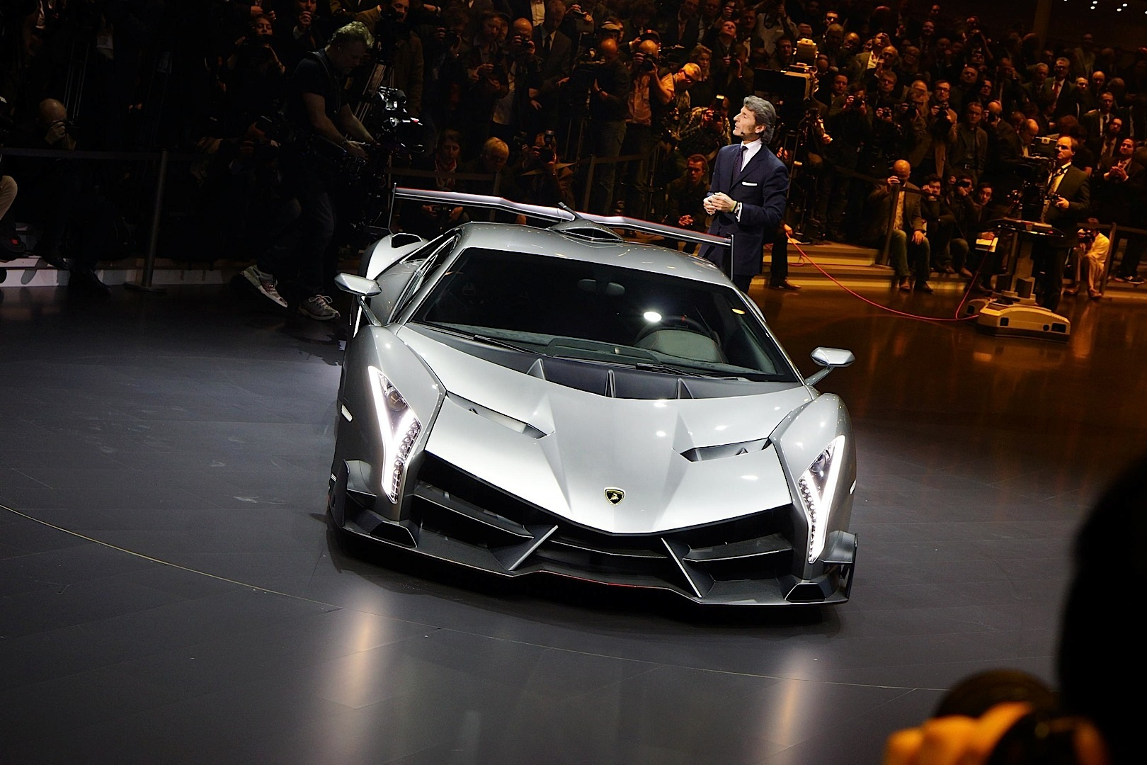 Ugly Car Wallpaper Lamborghini Veneno Named World S Ugliest Car Autoevolution