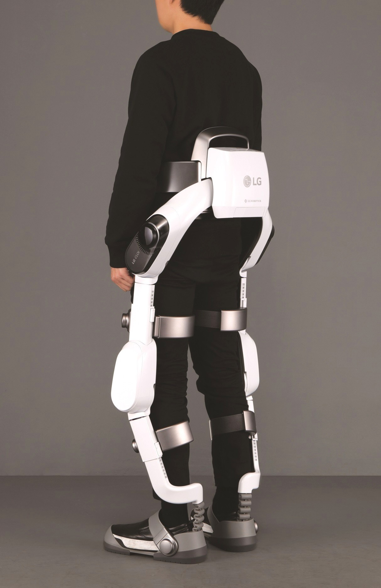 Lg Introduces Wearable Robot Exoskeleton At Ifa 2018
