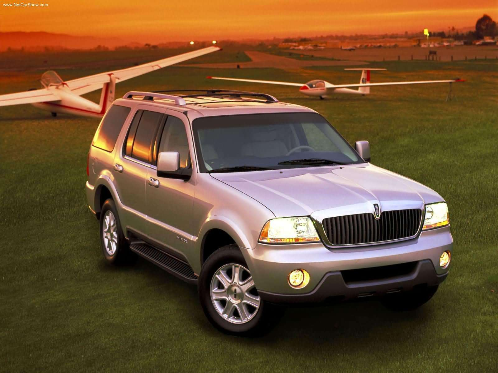 space diagram 2005 jeep grand cherokee aftermarket radio wiring lincoln aviator trademark hints at a posher 2016 ford explorer - autoevolution