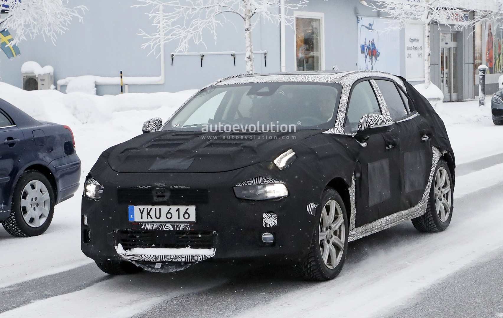 Volvos CMA Compact Car Plans New V40 In 2016 And XC40 In