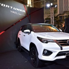 All New Camry 2018 Australia Harga Toyota Grand Avanza 2016 Fortuner Trd Sportivo Is A Hilux Suv With ...