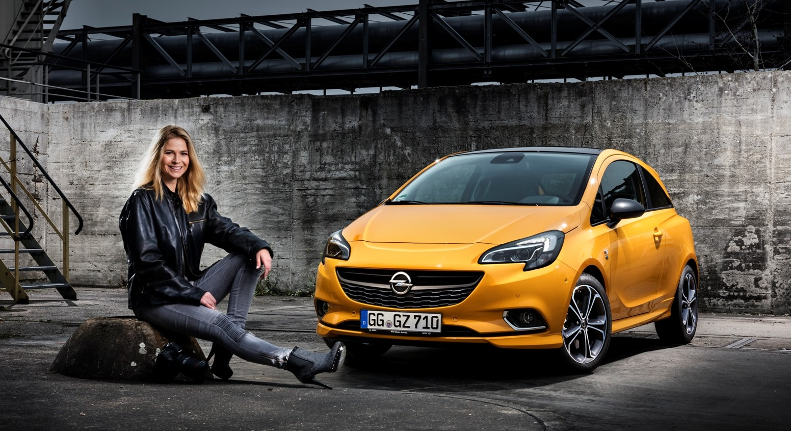 Pretty Girl Wallpapers Hd Opel Corsa E Now Available With R4 0 Intellilink