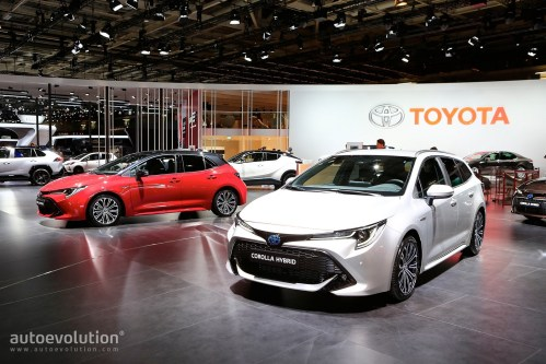 small resolution of toyota corolla hybrid wagon has giant trunk and even bigger tablet in paris