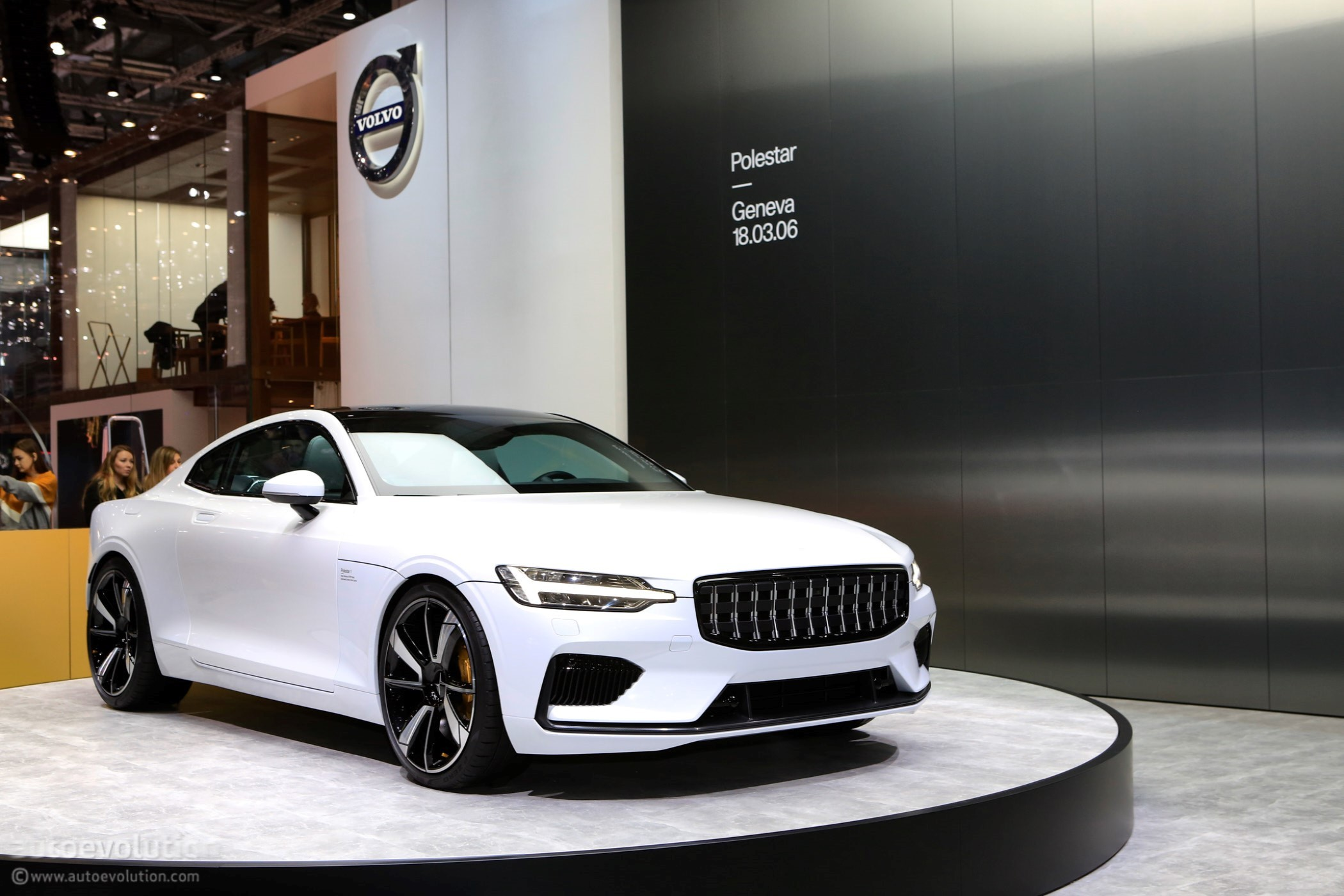 Polestar 1 PlugIn Hybrid Coupe Priced at 155000  autoevolution