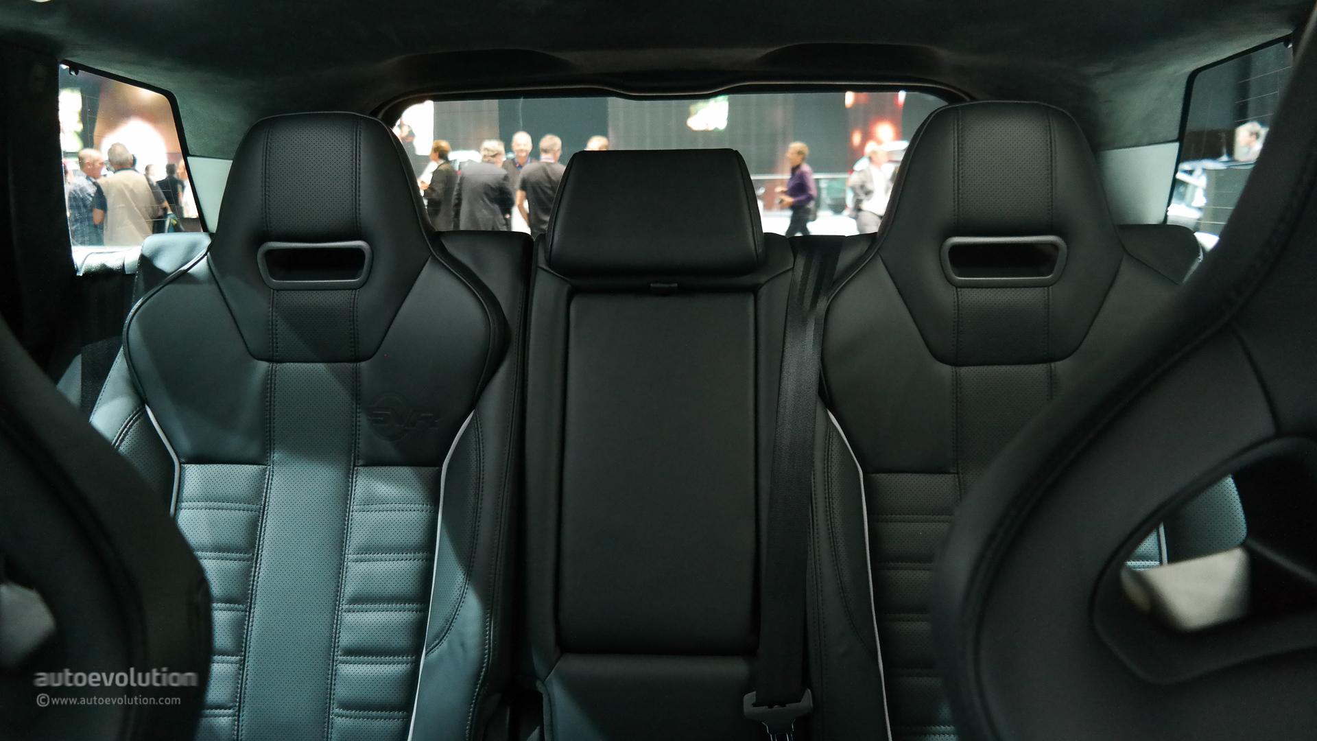 Range Rover Sport SVR Brings Its Supercharged V8 to Paris [Live