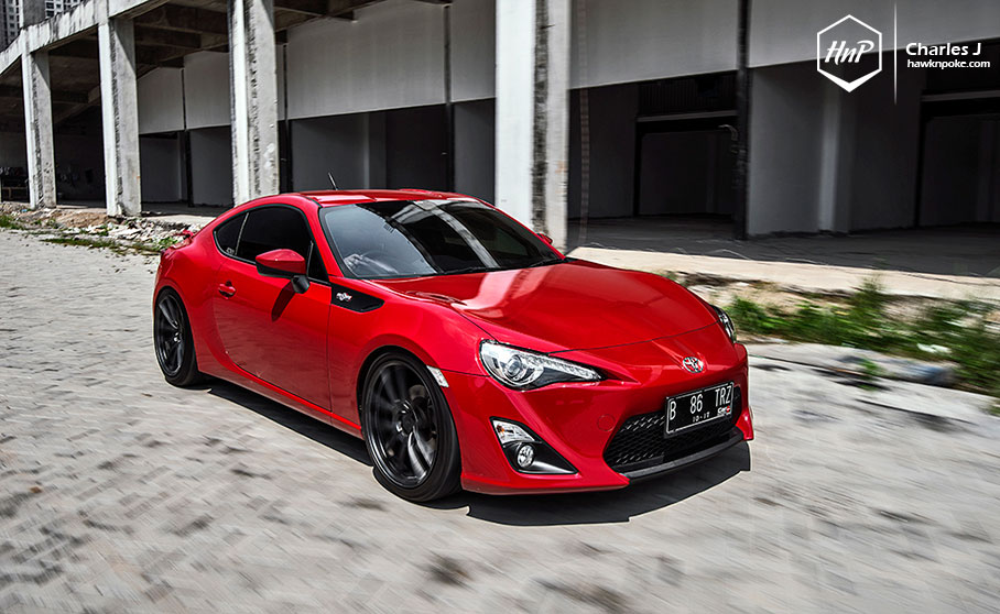 Red Toyota GT 86 Looks Intimidating On ADV1 Wheels