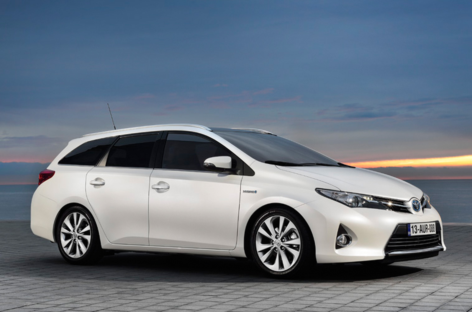all new camry logo cover ban serep grand avanza toyota auris touring sports specs revealed - autoevolution