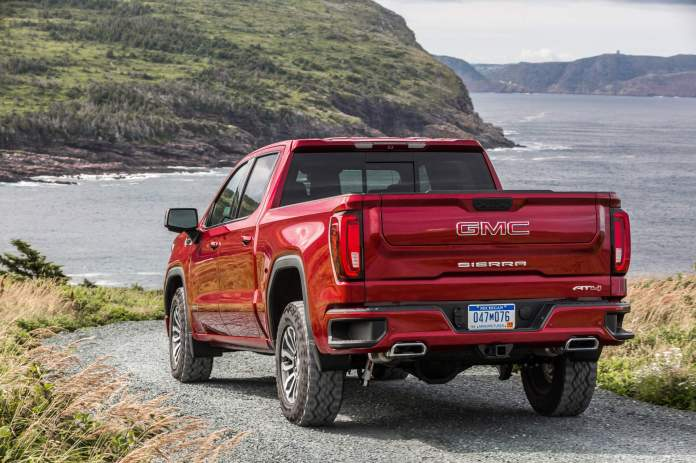 Gmc Levels Up 2019 Sierra At4 With Off Road Performance Package Autoevolution