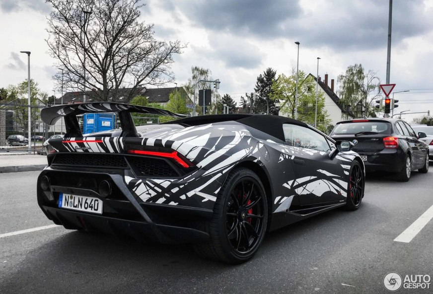Lamborghini Huracan Performante Spyder Causes a Stir in ...