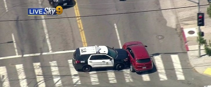 """LAPD Cop Makes """"Monster"""" PIT Maneuver to End 30-Minute Chase - autoevolution"""