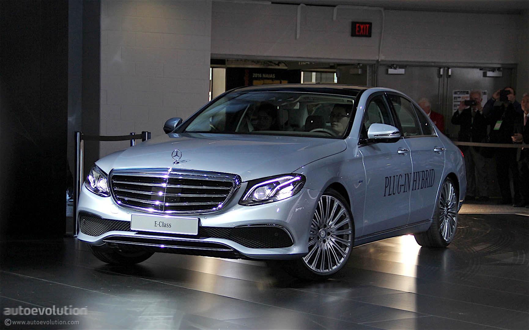 2017 Mercedes-Benz E-Class Unveiled at the 2016 Detroit Auto Show - autoevolution