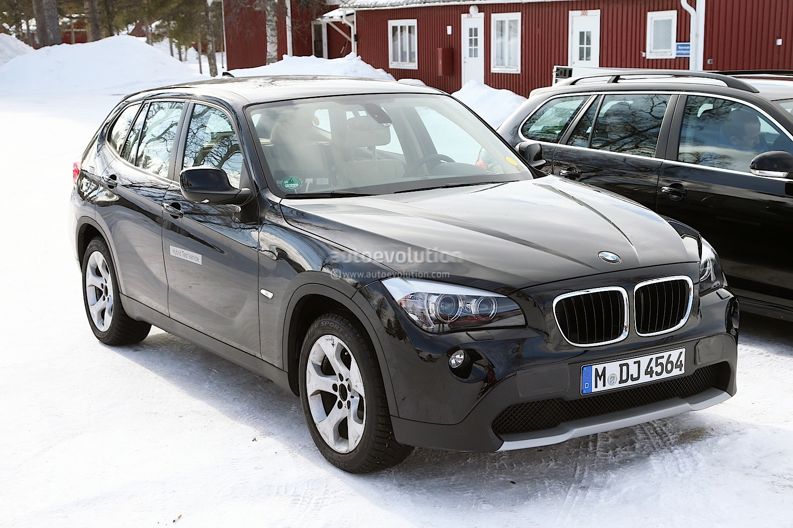 hight resolution of all electric bmw x1 spyshots