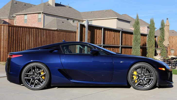 This Might Be the Only Lapis Lazuli Lexus LFA In the World  autoevolution