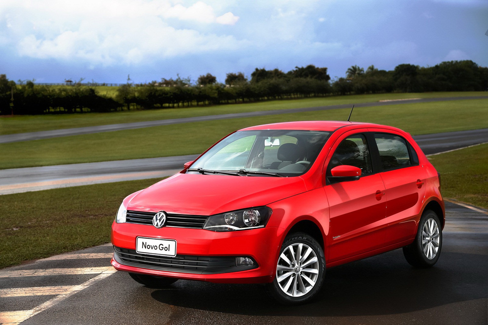 VW Reveals Redesigned Gol and Voyage - autoevolution