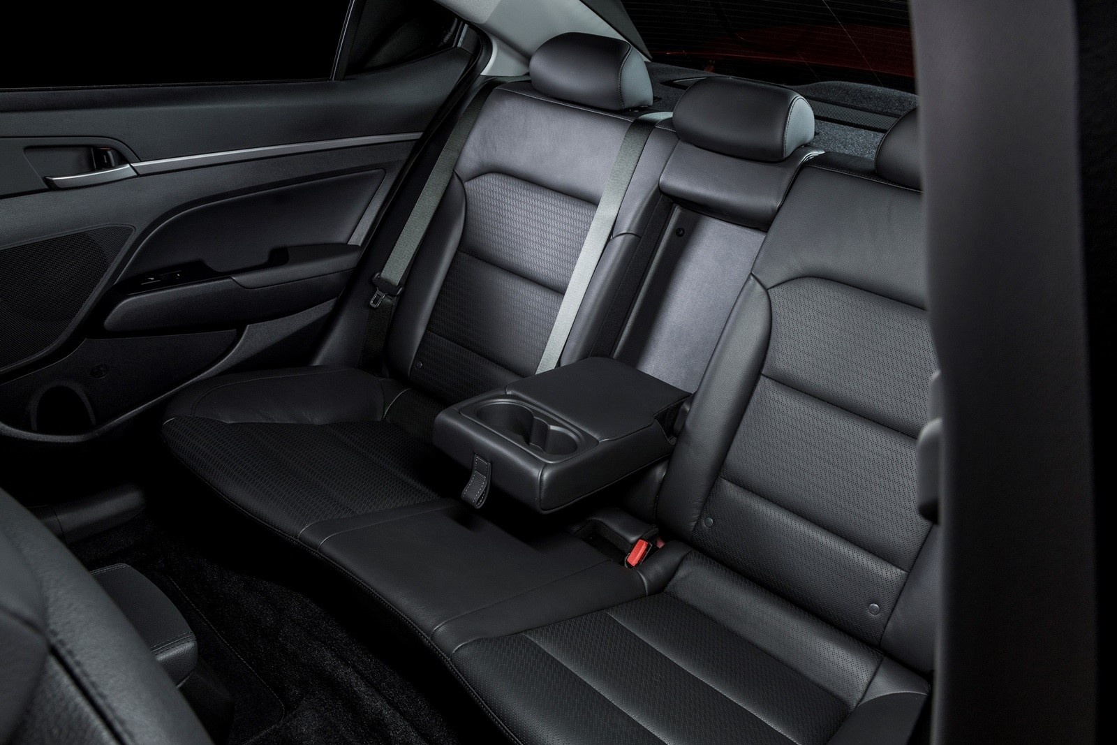 2017 Hyundai Elantra Review Autoevolution