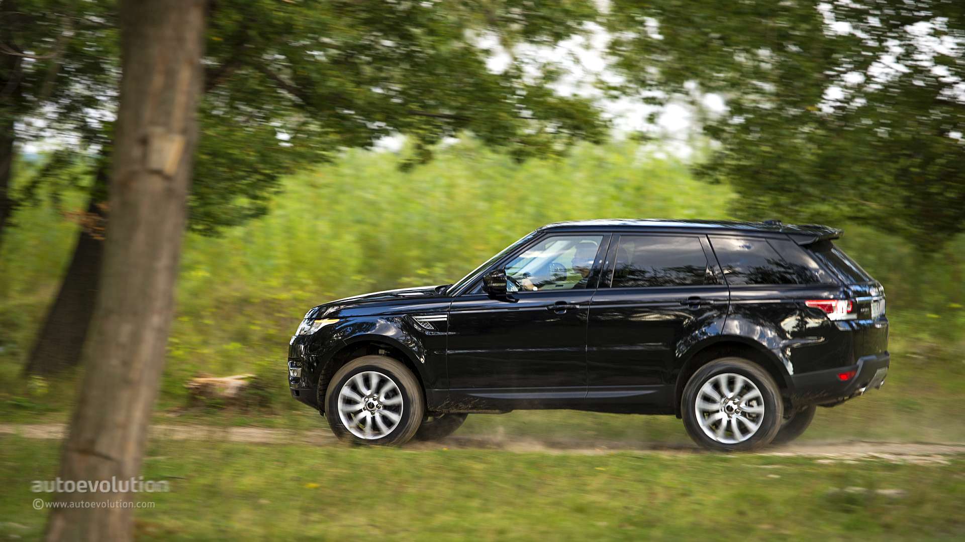 2014 Range Rover Sport Review Autoevolution