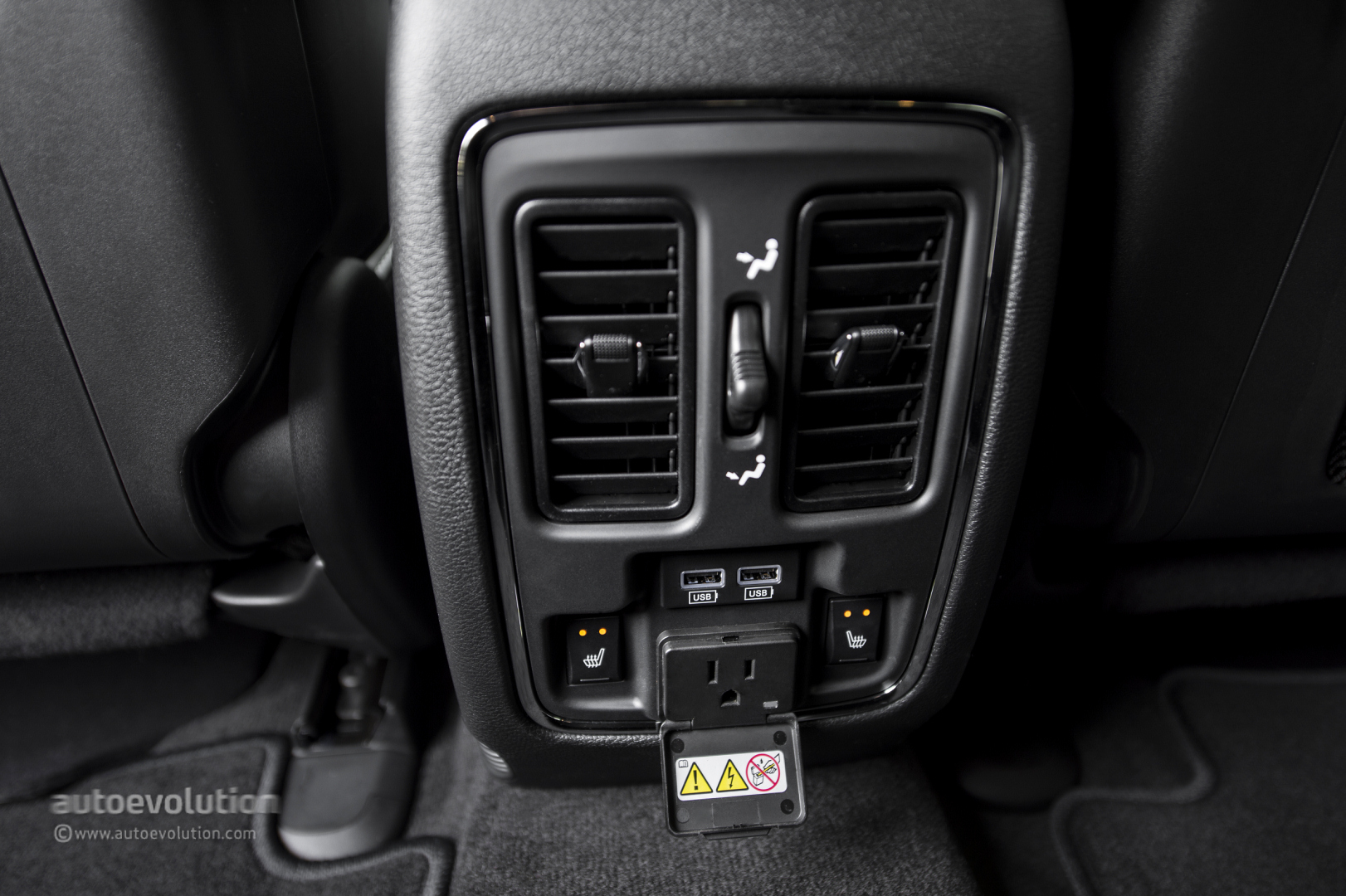 2014 JEEP Grand Cherokee SRT Review Autoevolution