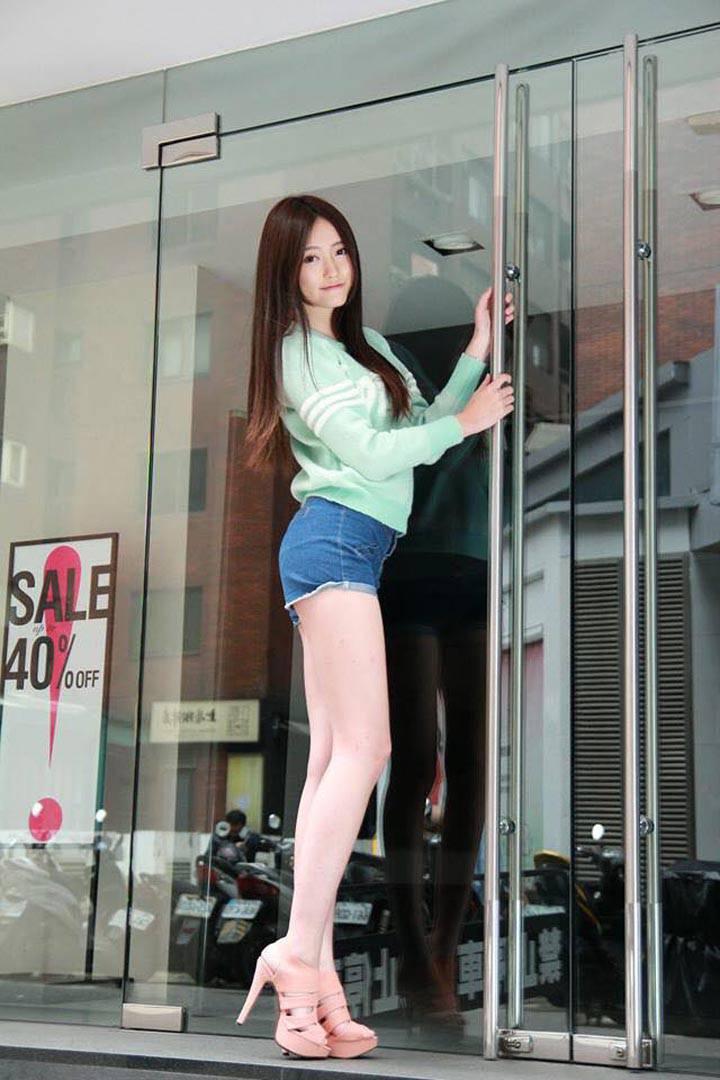 張采寧 Winnie [神之美腿] 超萌18歲正妹 - 【正妹時代】