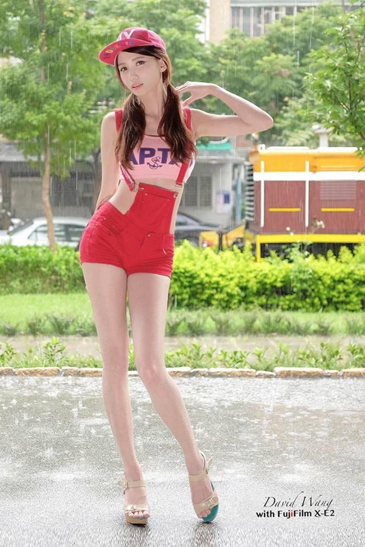 蔡譯心 Candice 雲林科技最美畢業生110公分長腿女神 | 正妹時代
