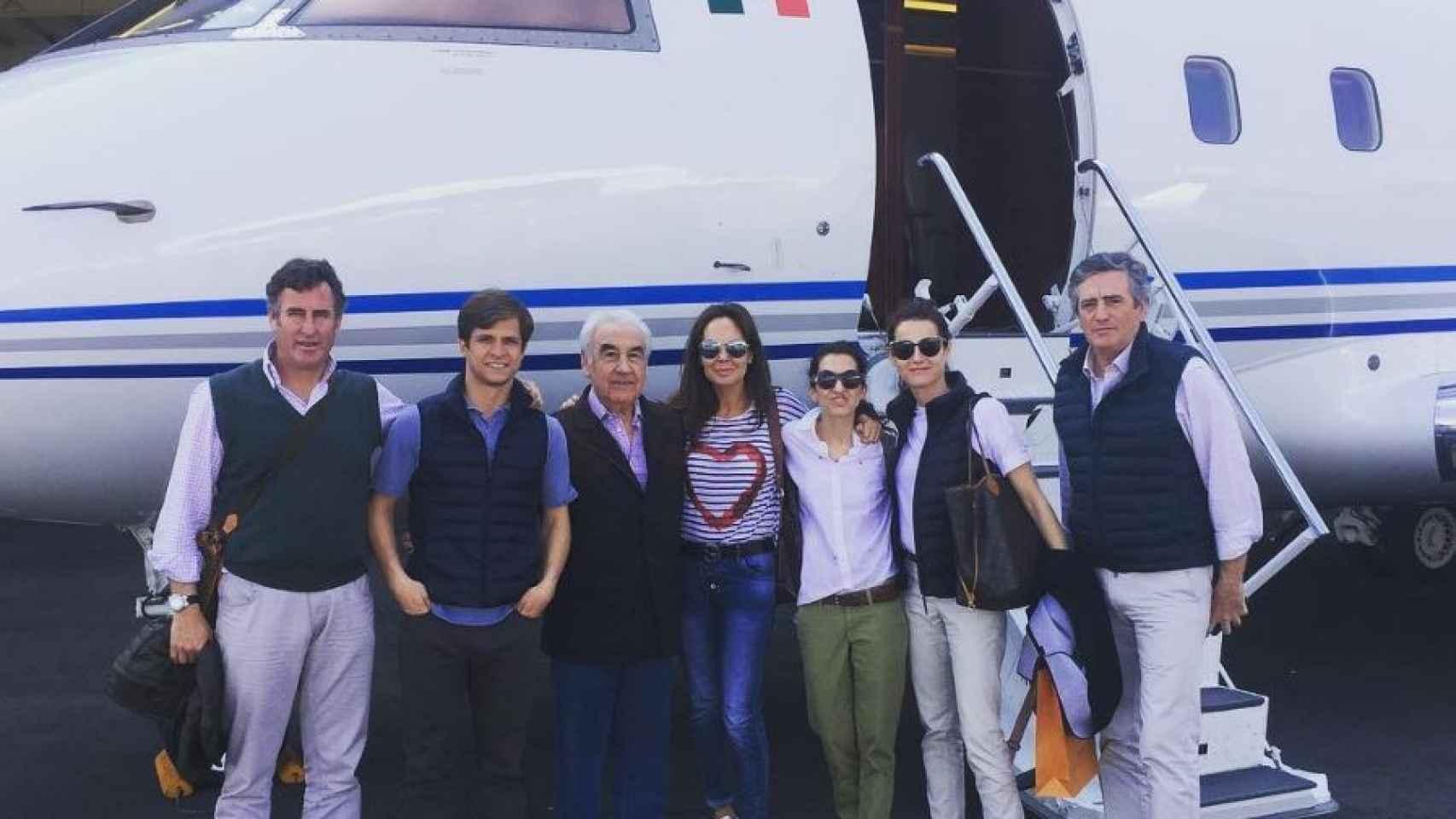 El Juli, junto a Gabriel Alarcón y el resto de acompñanantes
